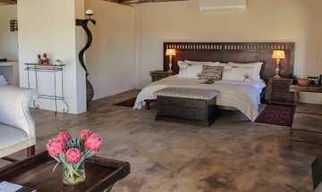 Bukela Game Lodge Amakhala Game Reserve Luxury King Suite